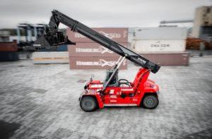 34 KALMAR A C.RO PORTS - Sollevare - C.RO Ports SA KALMAR reach stacker ro-ro - Logistica News 1