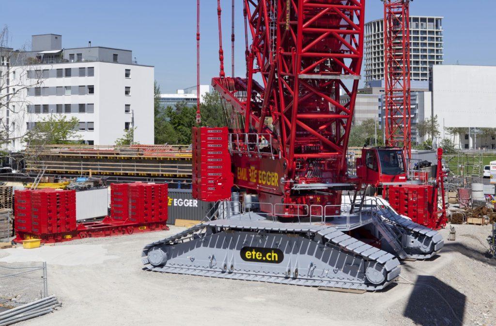 LA PIU' GRANDE LIEBHERR DELLA SVIZZERA - Sollevare - Emil Egger AG LIEBHERR LR 11000 Svizzera - News 3