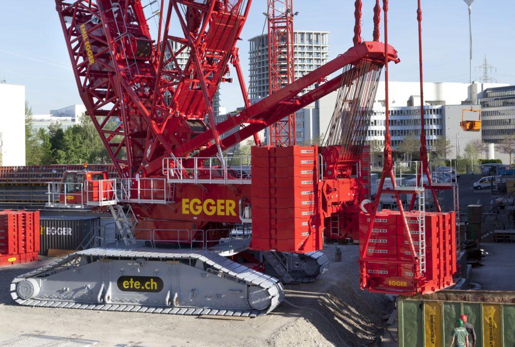 LA PIU' GRANDE LIEBHERR DELLA SVIZZERA - Sollevare - Emil Egger AG LIEBHERR LR 11000 Svizzera - News 4
