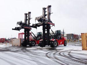 CVS FERRARI CONQUISTA GLI OPERATORI PORTUALI DI MONTREAL - Sollevare -  - Logistica News 1