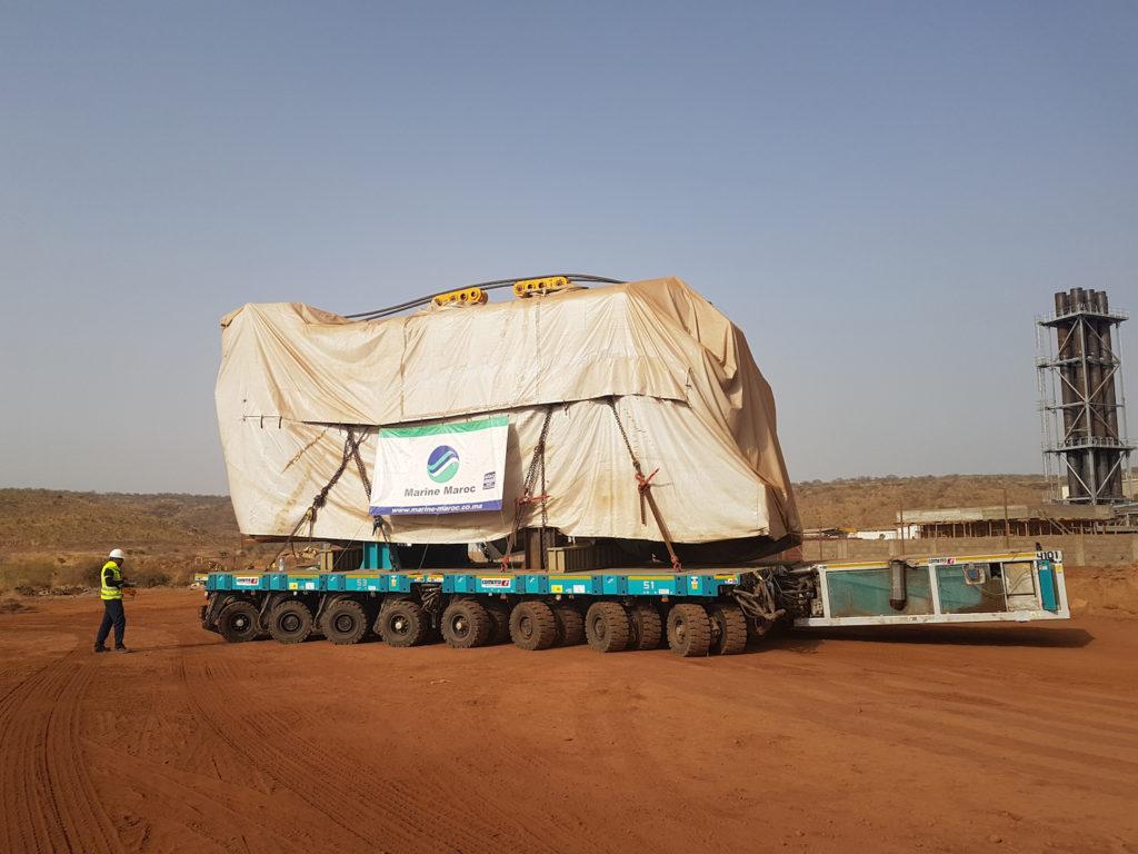 COMETTO AL LAVORO NEL DESERTO - Sollevare -  - News Trasporti eccezionali