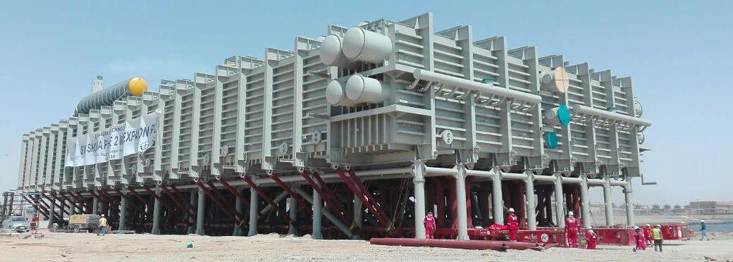 MAMMOET TRASPORTA L'EVAPORATORE DA RECORD MONDIALE IN ARABIA SAUDITA - Sollevare -  - case history Montaggi Industriali News SPMT Trasporti eccezionali
